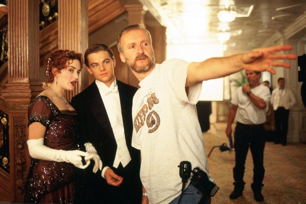 Titanic, Jack y Rose junto a James Cameron - Sofá, peli y palomitas - La Tienda Home