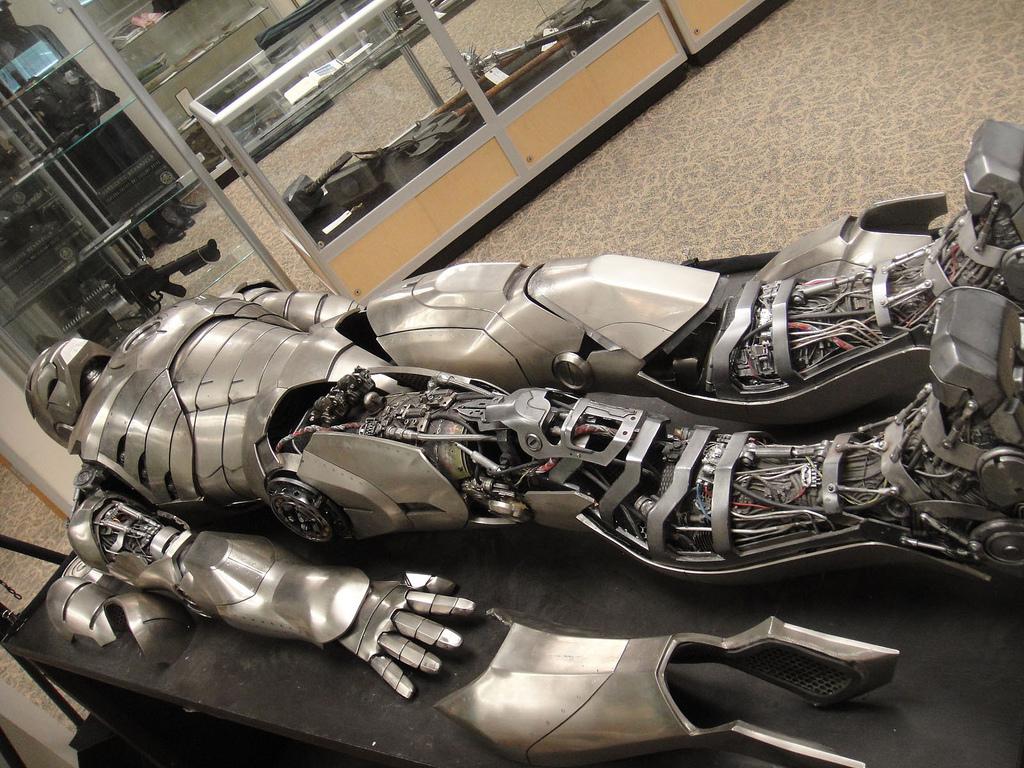 Estructura de las piernas de la armadura de Iron Man