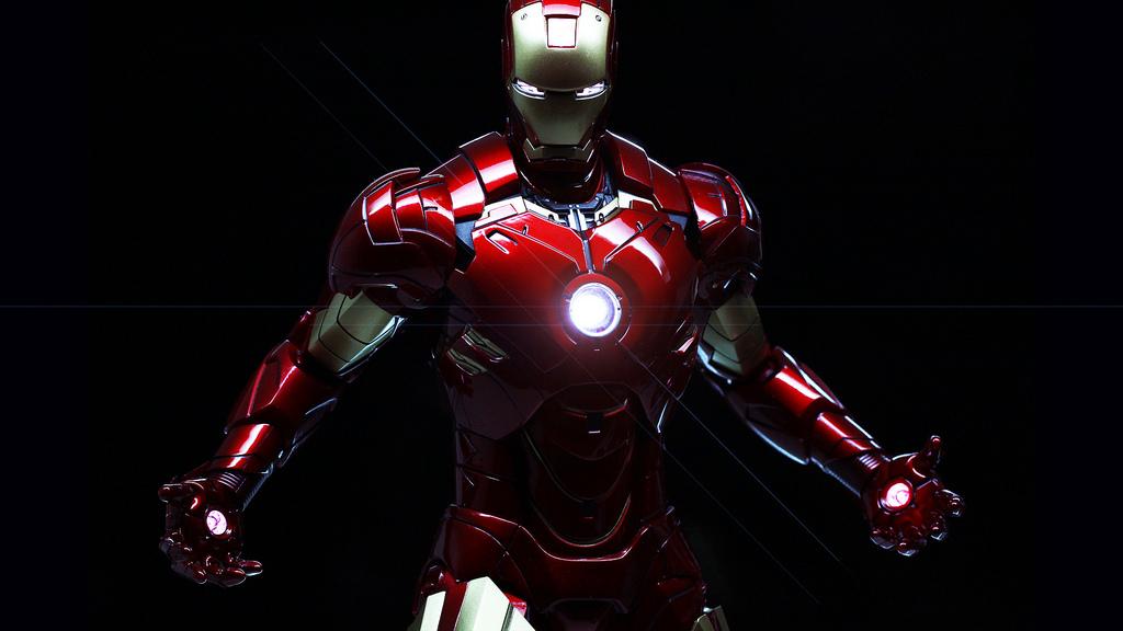Iron Man en fondo negro