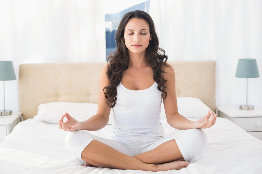 yoga-en-la-cama-meditacion-tienda-home