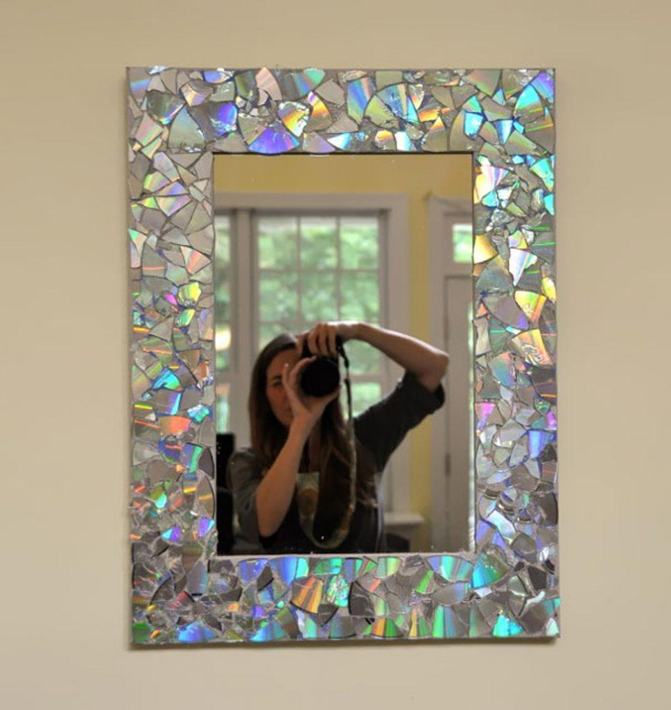 Espejo decorado con CD reutilizados - La Tienda Home