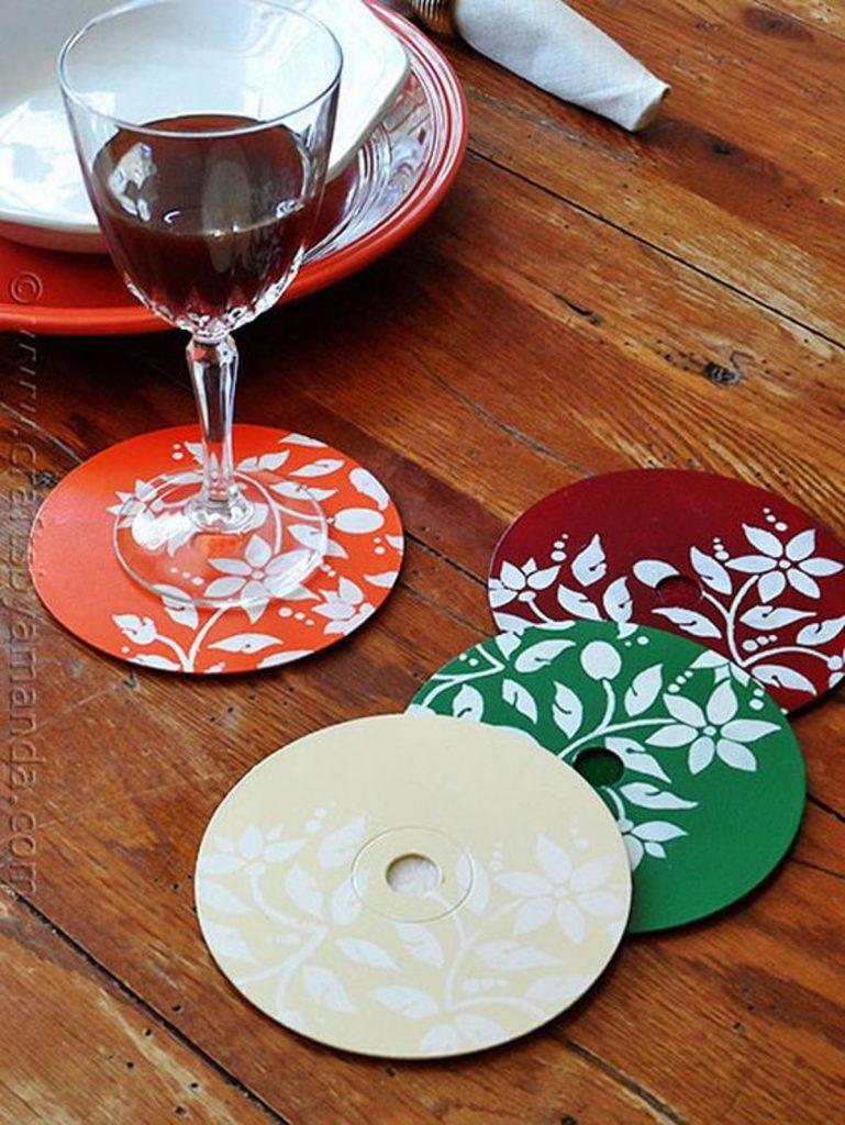 Posavasos hechos con CD reutilizados - La Tienda Home