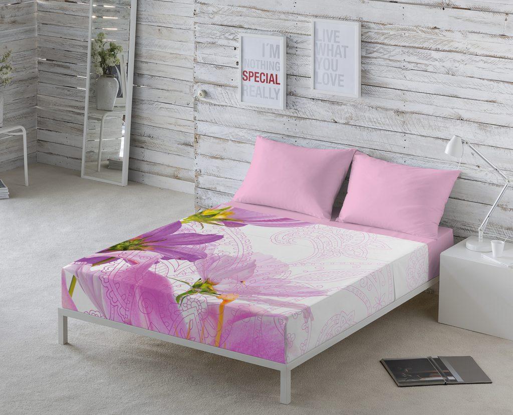 Ejemplo de decoración de una cama preparada para el buen tiempo